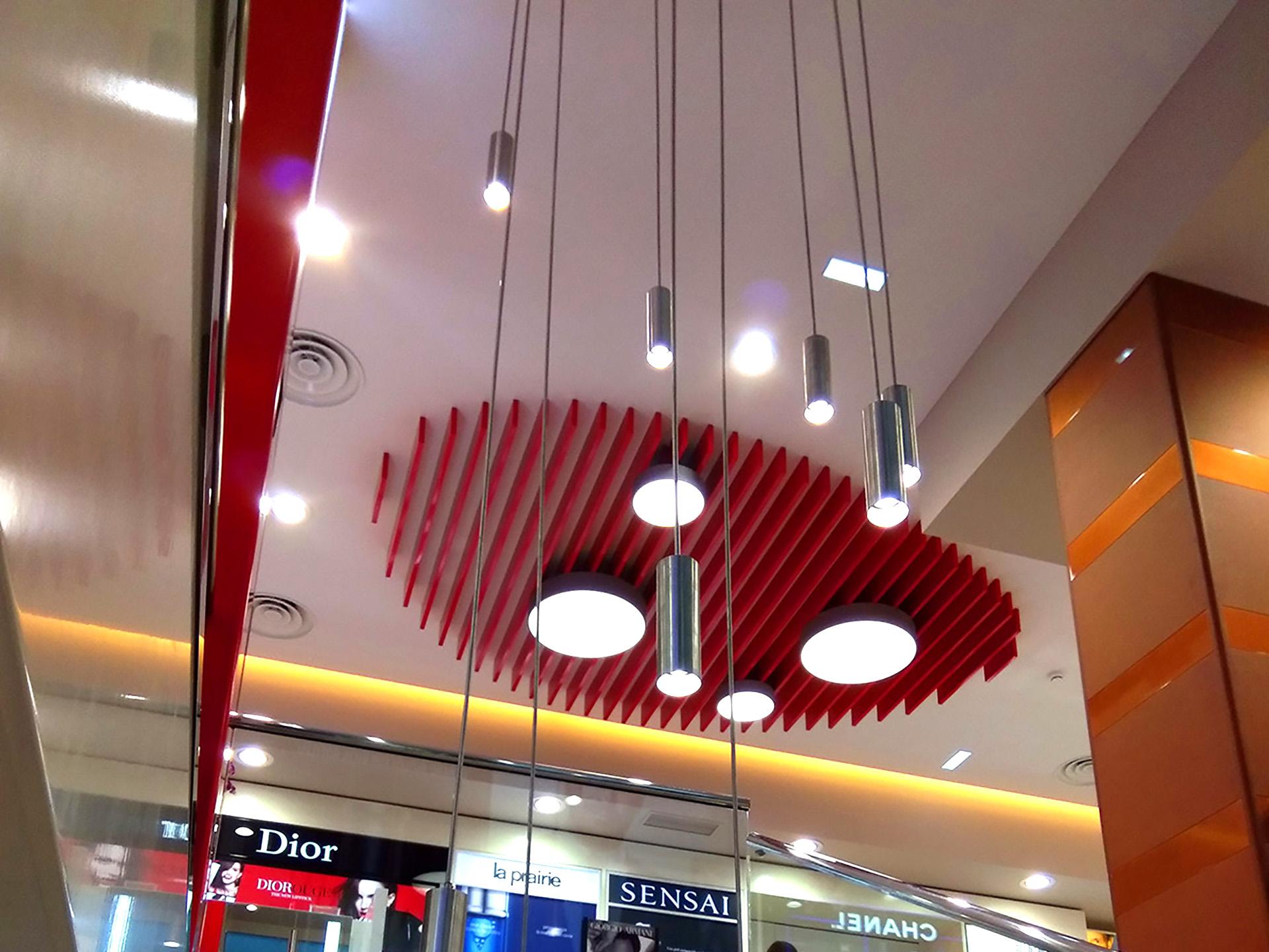 Luminaria LED suspendida para uso interior